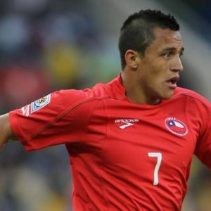 Alexis-Sanchez-Chile-World-Cup-2010-Cropped